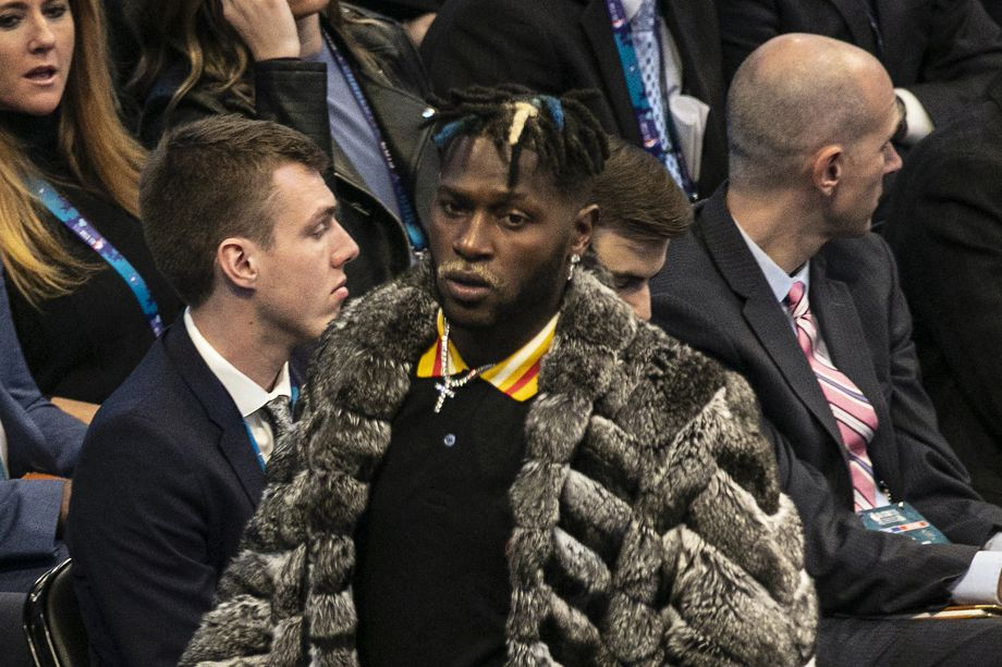 Read more about the article Steelers Don't Plan On Antonio Brown Trade To AFC Team